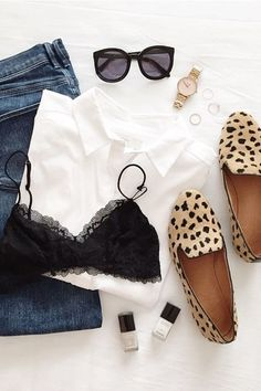 Womens fashion | Outfit | Fashion | style | jeans | fashion outfit | casual look | leopard flats | ootd
