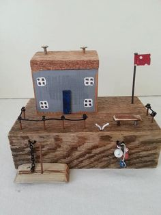 Handmade Miniature Old fishermens houses Substructure:16 x 9cm * This item will be ship via DHL Express. It arrives to your address just in 3-5 business day.