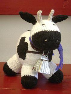 Moooo! Someone who knits needs to make me this!!
