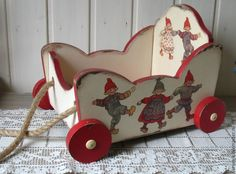 "Тележка для игрушек "" Веселые ребята "" – заказать на Ярмарке Мастеров – 6A3XFRU | Элементы интерьера, Москва Doll Houses, Wooden Toys, Dollhouse Miniatures, Wood Projects, Desk, Dolls, Inspiration, Yule, Holiday Ornaments"