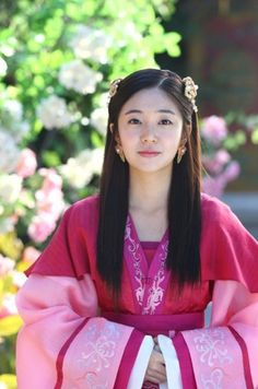 Baek jin hee as Tanasiri in Empress Ki she looks sooo pretty here Korean Traditional Dress, Traditional Outfits, Korean Actresses, Korean Actors, Baek Jin Hee, K Drama, Korea Dress, Empress Ki, Korean Hanbok