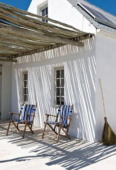 Pergola To House Attachment Outdoor Spaces, Outdoor Living, Outdoor Seating, Casa Top, Dream Beach Houses, Patio Interior, Beach Cottage Style, Beach Bungalows, Pergola Shade