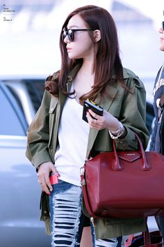 Tiffany SNSD Airport March 2014