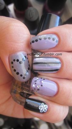 .Colors used:  Sally Hansen X-treme Wear - Mystic Lilac  Sally Hansen X-treme Wear - Black Out  Essence - No More Drama