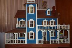 Image from http://www.dicknorton.com/dollhouse/doll1.jpg.