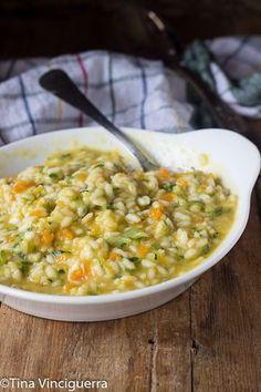 Risotto cremoso veloce un primo gustosissimo con le zucchine,facile e gustoso!Un risotto speciale,ti conquisterà al primo cucchiaio non lasciarti scappare la ricetta!