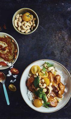Huijarin butter chicken – lapsiperheiden uusi suosikkiruoka | Meillä kotona Butter Chicken, Chana Masala, Chili, Main Dishes, Curry, Good Food, Soup, Baking, Ethnic Recipes