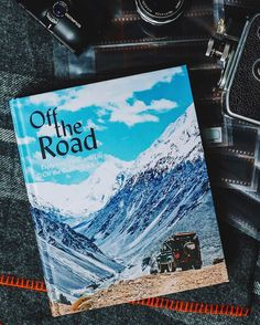 Our book Off the Road featuring explorers, vans, and life off the beaten track snapped by @gearpatrol ⛺️ #gestaltenregram #gestaltenbooks #offtheroad #vanlife