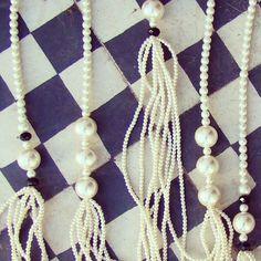 Nos auto-inspiramos con esta imágen para nuestra colección I ♥ Pearls   #vicool #VivaLaModa #Chile #Fashion #Girly #Stylish #Bohemian #Bohemio #Bohemian #Accesorizate #Cool #Accesories #Accesorios #Mujer #Women #Fashionable #ALaModa #Moda #Estilo #Femenino #Diseño #Glamour #Handmade   Encuéntralos en www.vicool.cl