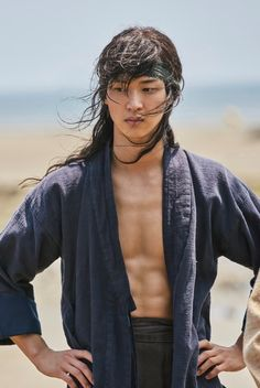 [Video + Photos] Trailer and New Stills Added for the Upcoming Korean Drama 'The Tale of Nokdu' Drama Korea, Korean Drama, Hot Korean Guys, Hot Asian Men, Asian Men Long Hair, Flower Crew, Kim Sohyun, Handsome Korean Actors, Bae