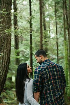 Pacific Northwest forest anniversary session by Jess Hunter Photography / Woodsy Weddings