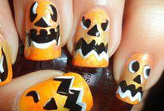 Model de unghii pentru Halloween