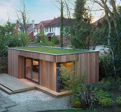 An eco-friendly roof serves as a roofing that is covered in crops, which actually reduces stormwater run-off and lowers chilling charges. Backyard Office, Backyard Studio, Garden Studio, Garden Office, Garden Pods, Eco Garden, Contemporary Sheds, Extension Veranda, Sedum Roof
