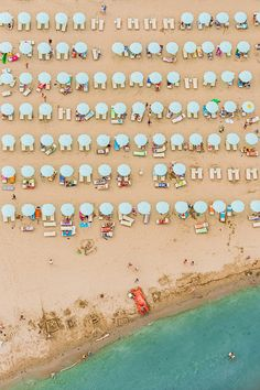 8 Reasons Why it Might Be Time to Take a Vacation | Aerial View of the Beach // Photo by Bernhard Lang | Paper + Stitch
