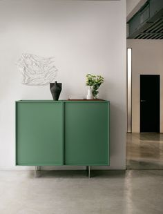 Lochness Sideboard, designed by Piero Lissoni for Cappellini. Get The Originals at Diy Furniture Projects, Fine Furniture, Painted Furniture, Modern Furniture, Furniture Design, Modern Decor, Home Living Room, Living Room Decor, Bedroom Decor