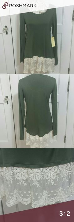 """Paper + tee Top NWT. Green with 7""""s of ivory scalloped lace. Scoop neck  Long sleeves  95% rayon 5 % spandex  29 1/2"""" long. 19"""" armpit to armpit lying flat. NWT. paper + tee  Tops"""