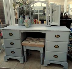 Shabby Chic Grey Westminster Pine Dressing Table With Mirrors And Stool