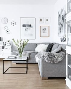 If you need to transform your living room for the better, try Scandinavian interior design. Here are some of the beautiful Scandinavian living room inspiration. Home Living Room, Living Room Designs, Living Room White Walls, Apartment Living Rooms, Cozy Grey Living Room, Apartment Nursery, Living Room Goals, Living Room Decor Tumblr, Living Area