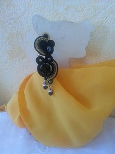Soutache Ohrringe Black and Gold von BeadStArt auf Etsy