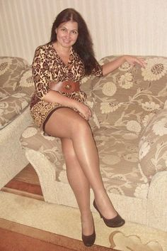 Mature housewife in pantyhose