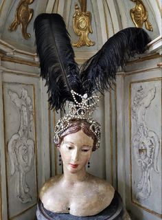 Angel Statues, Vanities, Carving, Victorian, Crown, Times, Pretty, Fashion, Antique Dolls