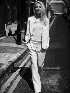 Melissa Tammerijn by Annemarieke van Drimmelen for Vogue Germany October 2013 2 White Fashion, Look Fashion, World Of Fashion, Womens Fashion, Fashion Design, Fashion Pics, Fashion Models, London Calling, Mode Style