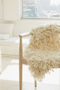 5 Chunky Yarn Projects You Can Arm Knit (Besides a Blanket) — Daily 5