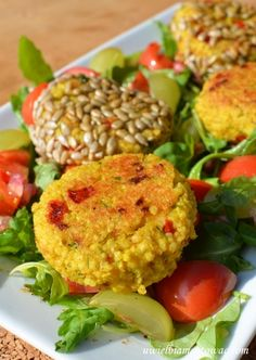 Salmon Burgers, Baked Potato, Lunch Box, Food And Drink, Potatoes, Meat, Baking, Ethnic Recipes, Kitchens