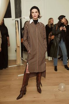 Rosetta Getty Fall 2019 Ready-to-Wear Fashion Show - Vogue Vogue Paris, Fashion Show, Fashion Design, Fashion Trends, Vogue Fashion, Rosetta Getty, Girl Inspiration, Night Looks, Mannequins