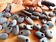 Just in case you needed to know how to drill holes in rocks. – Site Token Idea Just in case you needed to know how to drill holes in rocks. – Site Token Idea Pin: 320 x 240 Nature Crafts, Fun Crafts, Diy And Crafts, Arts And Crafts, Diy Projects To Try, Craft Projects, Craft Ideas, Diy Ideas, Stone Crafts