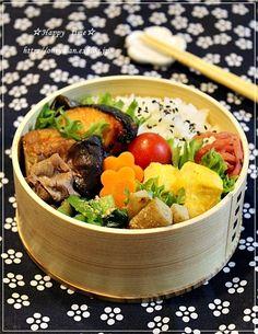 鮭の西京焼きとすき煮弁当