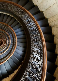 """secretsecretboudoir: """" archatlas: """" Circular Staircase in Bank Tower Pittsburgh Andrew I. Boyd [via] """" Spiral … """" Beautiful Architecture, Art And Architecture, Architecture Details, Staircase Architecture, Installation Architecture, Beautiful Buildings, Grand Staircase, Staircase Design, Black Staircase"""