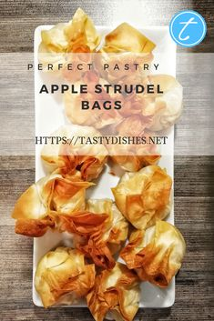 Is a whole apple strudel too much? Are you looking for an alternative that is at least as tasty? Then try this recipe. A well-tried classic in a new guise. Puff Pastry Dough, Puff Pastry Sheets, Cake Recipes, Snack Recipes, Fun Deserts, Apple Slices, Saturated Fat, Desert Recipes, Cakes And More