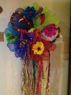 Viva Fiesta piñata wreath