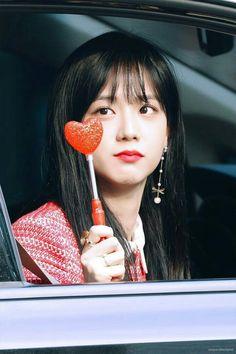 So Pretty, Blackpink Jisoo Stuns in Red as She Leaves . Blackpink Jisoo, Kim Jennie, Yg Entertainment, Forever Young, Mamamoo, South Korean Girls, Korean Girl Groups, K Pop, Black Pink ジス