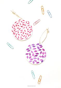 DIY: paper christmas ornaments