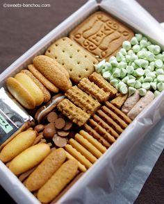 村上開新堂 - 半蔵門/ケーキ [食べログ] Dessert Packaging, Bakery Packaging, Cookie Packaging, Fancy Desserts, Cookie Desserts, Cookie Recipes, Japanese Cookies, Japanese Sweets, Bento Recipes