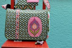 Purple-Lotta.com Hilco fabrics for case Pattern is here: http://www.ki-ba-doo.eu/epages/63573220.sf/de_DE/?ObjectPath=/Shops/63573220/Products/%22Ebook%20JUNIZ%22