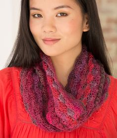 Le Papillon Blushing Cowl Free Crochet Pattern in Red Heart Yarns