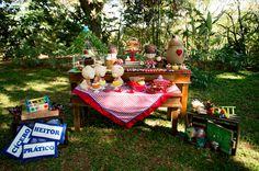 Comemorar aniversário com um picnic ao ar livre é uma delícia, né? Assim foi a festinha de 3 anos do João Pedro, em Belo Horizonte, que teve como tema Os T