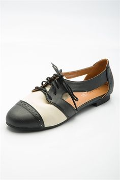 Fleet Street Feet Cut Out Brogues - Black & White