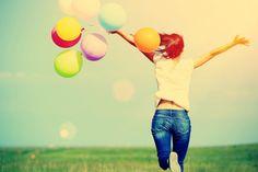 La vida es una serie de momentos. Algunos de ellos le dan sentido a nuestra vida y otros nos hacen sentir la suerte de estar vivos. Estos momentos varían de una persona a otra, pero algunos son tan comunes y están al alcance de todos.Seleccionamos 16 de esos momentos de felicidad, que quizá ya has vivido e