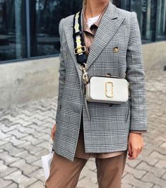 Mark Jacobs Bag, Sac Marc Jacobs, Marc Jacobs Snapshot Bag, Marc Jacobs Handbag, Winter Fashion Outfits, New Outfits, Trendy Outfits, Fashion Musthaves, Backpack Outfit