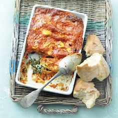 Cannelloni met spinazie en ricotta (recept van de Allerhande) Veggie Recipes, Pasta Recipes, Dinner Recipes, I Love Food, Good Food, Yummy Food, Salty Foods, Oven Dishes, Winter Food