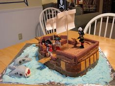 chicken babies: Pirate Birthday Party.  Some good pirate game ideas!