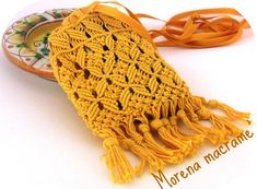 Dove metti il telefonino? Macrame Bag, Macrame Knots, Macrame Jewelry, Board Decoration, Boho Bags, Macrame Tutorial, Crochet Hats, Purses, Knitting