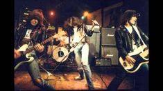 blogAuriMartini: Os pioneiros do Punk Rock: Ramones! http://wwwblogtche-auri.blogspot.com.br/2012/08/os-pioneiros-do-punk-rock-ramones.html