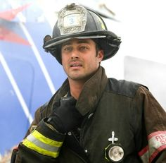 My heart was pounding for Severide last night while he was teetering on the edge of the building in the helicopter. Chicago Med, Chicago Fire, Monica Raymund, Motley Crue Nikki Sixx, Jesse Spencer, Taylor Kinney, Good Looking Men, Favorite Tv Shows, Hot Guys