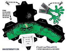 Jamais 3 sans 4 ! Voici le nouveau Frankenstein de Shawn Sullivan pour compléter la collection de ce monstre vert qui donne tant d'inspiration. Ce nouveau venu affiche un regard assez stoïque, mais il a l'air plutôt gentil avec son…