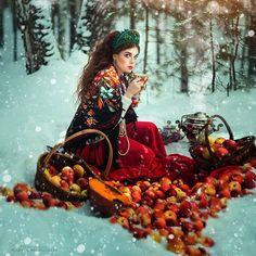 Une sélection des photographies envoûtantes de Margarita Kareva, une jeune photographe russe qui nous entraine dans un univers onirique coloré et surréali